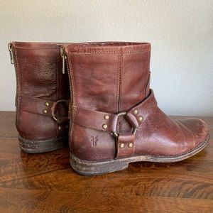 FRYE brown leather ankle harness boots size 6.5